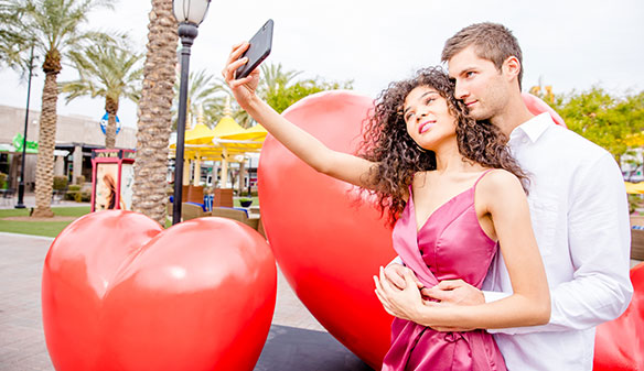 Westgate Entertainment District Love event - couple posing for selfie